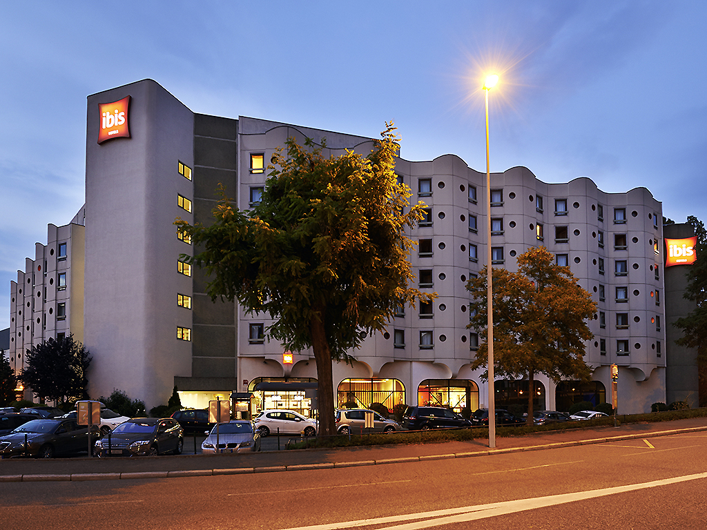 hotel ibis strasbourg centre ponts couverts. Black Bedroom Furniture Sets. Home Design Ideas